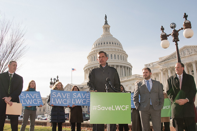 U.S. Senator Martin Heinrich joins Democratic and Republican lawmakers and conservation leaders to stand up for the Land and Water Conservation Fund, November 29, 2018.